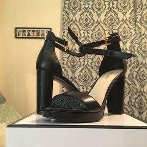 Nine West black open toe sandal